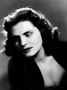 "Classical-gentry: Amália Rodrigues Known as the 'Rainha do Fado' (""Queen … Nostalgic Pictures, Jazz, Musica Popular, Brave, Medieval Castle, Reggae, Beautiful Beaches, Portugal, People"