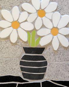 Items similar to Mosaic vase of daisies - flower wall hanging - unusual gift - mosaic art on Etsy Mosaic Vase, Mosaic Flower Pots, Mosaic Birds, Mosaic Diy, Mosaic Garden, Mosaic Crafts, Mosaic Projects, Flower Wall, Mosaic Ideas