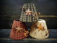 4 primitive lampshade for candle chandeliers or electric candle lamp with rusty Primitive Lamps, Primitive Living Room, Primitive Crafts, Country Primitive, Country Crafts, Country Decor, Rustic Decor, Country Style, Diy Chandelier