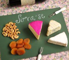Tábua de queijo de quadro-negro