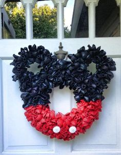 Mickey Mouse balloon door wreath (black n red)