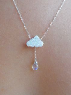 Opal Cloud and Rainbow Moonstone or Labradorite Raindrop Dainty Jewelry, Cute Jewelry, Jewelry Accessories, Jewelry Necklaces, Handmade Jewelry, Jewelry Design, Geek Jewelry, Vintage Jewellery, Antique Jewelry