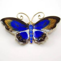 Gentle polishing may be needed. A lovely brooch to add to your collection. Butterfly Jewelry, Butterfly Flowers, Beautiful Butterflies, Enamel Jewelry, Art Deco Jewelry, Jewellery, Insect Jewelry, Modern Colors, Brooch Pin