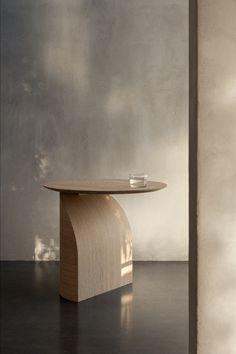 Pella Hedeby, Space Copenhagen, Modern Color Schemes, Ikea Kitchen Cabinets, Lounge Chair Design, Villa, Oak Stain, Kirchen, Dark Wood