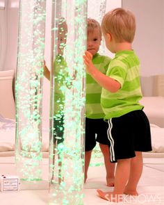 Experts share tips for creating a multi-sensory experience (MSE) room to treat a child's Sensory Processing Disorder. Sensory Wall, Sensory Rooms, Autism Sensory, Sensory Boards, Sensory Activities, Sensory Tubs, Childrens Gym, Pediatric Occupational Therapy, Pediatric Ot