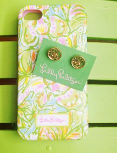 Lilly Pulitzer If they had this case in a Galaxy S5 I'd by it in a heartbeat. Favorite pattern