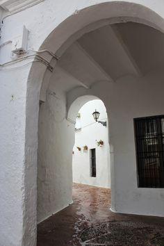 Sevilla.- Arco de la judería en Utrera-2. Seville, Beauty, Arches, Towers, Missing Child, Doors, Water Colors, Street, Sevilla