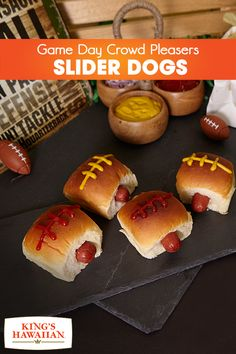Bring the tailgating party into your home with these Super Bowl-inspired King's Hawaiian Slider Dogs. Made with King Hawaiian's Original Hawaiian Sweet Dinner Rolls, they're sure to take your Game Day party to the next level. Super Bowl Party, Sweet Dinner Rolls, Super Bowl Essen, Mini Sliders, Tailgate Food, Tailgating Recipes, Most Delicious Recipe, Football Food, Gourmet