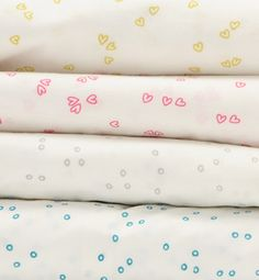 the cutest bedding, perfect for mixing and matching.