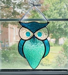 Owl Stained Glass Suncatcher - Blue Cathedral Glass - Stained Glass Bird - Horned Owl - Garden Art - Owl Ornament - Housewarming Gift by StainedGlassYourWay on Etsy Stained Glass Ornaments, Stained Glass Birds, Stained Glass Suncatchers, Faux Stained Glass, Stained Glass Projects, Stained Glass Patterns, Garden Owl, Owl Ornament, Tiffany Glass