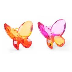 Jewel like hanging butterflies, faceted for a dazzling effect, are made of resin and come as a set from Animal Garden Ornaments, Hanging Ornaments, Traditional Design, Garden Inspiration, Butterflies, Garden Design, Jewel, Resin, Gardening