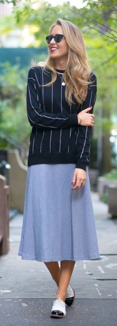 long houndstooth circle skirt, pinstripe split high-low sweater + black and white oxfords  |  http://www.theclassycubicle.com/2014/10/loose.html