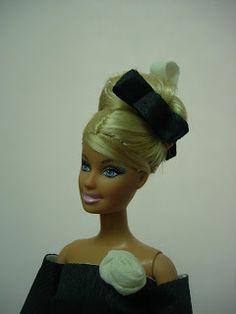 EXPOSICION DE VESTIDOS DE PAPEL Barbie, Fashion, Paper Dresses, Zaragoza, Exhibitions, Paper Envelopes, Moda, Fasion, Barbie Dolls