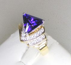 LADIES 8CT TRIANGLE CUT COLOR CHANGE ALEXANDRITE SIZE 8 - Gemstone Rings $37.999 #teamsellit