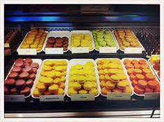 Macarons from Oberlaa Vienna. Vienna, Macarons, Sweets, Sweet Pastries, Goodies, Macaroons, Candy, Treats, Baking