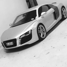 This guy was home alone yesterday while all the other Ignition vehicles were out on adventures. Busy weekend!  #Busybutlovingit #ignitionselfdriveadventures #ignitionselfdrive #audi #audir8 #porsche911 #porsche  #astonmartin  #queenstownnz #newzealand #luxurycarhire #luxurycarrental #exoticcarhire #exoticcarrental #astonmartinv8vantage #nzmustdo by ignitionselfdrive