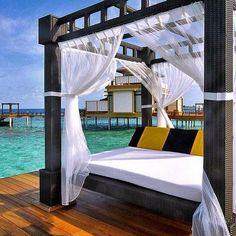Angsana Velavaru, Maldives ⠀ ⠀ Photography via @luxuryhotels