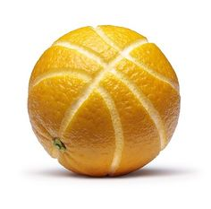 Make basketballs out of oranges :) The kids will love it! Perfect for March Madness. #kids #nutrition (Basketball Girls)