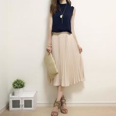 #kfashion Skirt Fashion, Fashion Outfits, Womens Fashion, Fashion Trends, Simple Outfits, Summer Outfits, Summer Clothes, Elegant Outfit, Office Fashion