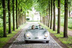 Vintage Porsche als trouwauto #bruidsfotografie #bruidsfotograaf Dario Endara