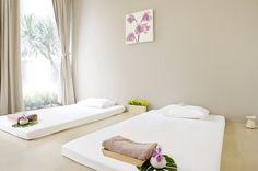 Urban Retreat Spa: Thai Massage Room at Asoke