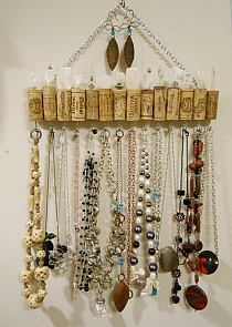 This article is not available - Wine cork jewelry holder by CinTinque on Etsy - Wine Craft, Wine Cork Crafts, Wine Bottle Crafts, Wine Bottles, Wine Cork Jewelry, Wine Cork Art, Jewellery Storage, Jewelry Organization, Jewellery Stand