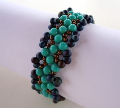 Aruba Blue Bracelet | JewelryLessons.com