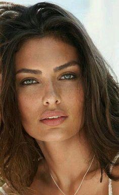 eye shape makeup 296604325463675824 - Alyssa Miller Alyssa Miller Source by Alyssa Miller, Most Beautiful Eyes, Gorgeous Women, Absolutely Gorgeous, Very Beautiful Woman, Stunning Eyes, Gorgeous Hair, Beautiful Pictures, Girl Face