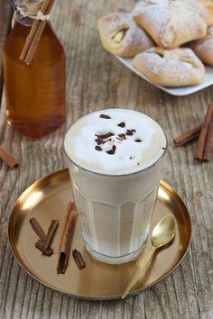 coffee - Cinnamon coffee recipe – coffee refined with homemade cinnamon syrup. // Hot Cinnamon Coffee Reci -Cinnamon coffee - Cinnamon coffee recipe – coffee refined with homemade cinnamon syrup. Banana Coffee, Banana Milk, Hot Coffee, Cinnamon Syrup, Cinnamon Coffee, Cinnamon Recipe, Starbucks Hacks, Coffee Drink Recipes, Dessert Blog