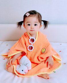 Cute Asian Babies, Asian Kids, Red Hair Boy, Cute Eyes, Jooheon, Beautiful People, Nerd, Crochet Hats, Children