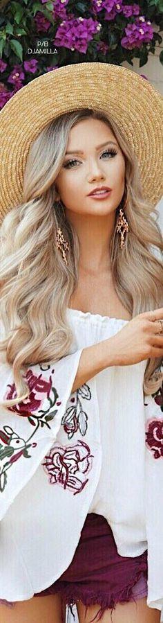 Boho Chic Bohemian Chic Fashion, Floral Fashion, Bohemian Style, Boho Chic, White Burgundy, Boho Gypsy, Gypsy Soul, Boho Girl, Festival Looks