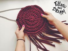 .  Сумочка в Наличии!    Цвет Винный  Размер 23х23  Подклад и молния  Стоимость 3100  .  #вязание #вяжутнетолькобабушки #knit #knitting #ручнаяработа #хендмейд #хэндмэйд #ярмаркамастеров #вязанаявещь #handmade #шапка #снуд #вязаныеигрушки #мама #дети #вяжу #вяжуспицами #вяжукрючком #пряжа #вязаныйклатч #толстаяпряжа #сделанослюбовью #рукоделие #вязаныйрюкзак #madewithlove  #игрушки #купитьсумку #купитьклатч #купитьодежду