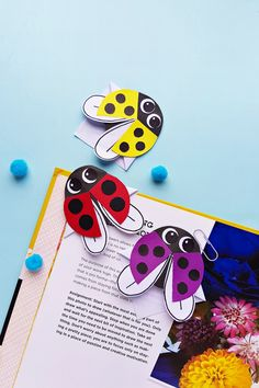 Today we have an adorable ladybug bookmark craft! These ladybugs are so stinkin cute and make excellent corner bookmarks, especially for some summer reading. These ladybug bookmarks are so lively and feel as they are Bug Crafts Kids, Ladybug Crafts, Bee Crafts, Preschool Crafts, Toilet Paper Roll Crafts, Craft Stick Crafts, Paper Crafts, Paper Butterfly Crafts, Dragon Fly Craft