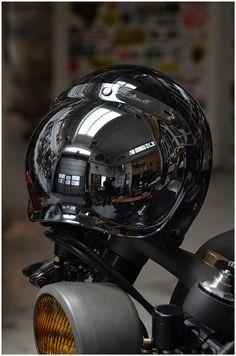 Wrenchmonkees Biltwell Gringo helmet and Biltwell Bubble Shield visors. Cafe Racer Style, Bike Style, Biker Gear, Motorcycle Helmets, Cycling Helmet, Motorcycle Outfit, Biltwell Helmet, Cb 500, Cafe Racer Helmet