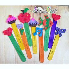 Segnalibri con hama beads e abbassa lingua colorati. #annarellagioielli #libro #segnalibro #handmade #hamabeads #color #fattoamano