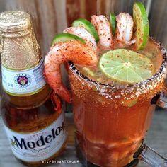 modelo beer shrimp ~ beer with shrimp modelo _ modelos beer with shrimp _ modelo beer shrimp _ modelo beer with shrimp on top _ modelo beer and shrimp Mexican Snacks, Mexican Beer, Mexican Drinks, Mexican Food Recipes, Michelada Recipe, Modelo Beer, Mexican Shrimp Cocktail, Shrimp Ceviche, Gastronomia