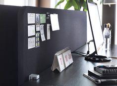 Nahaufnahme von GALANT Abschirmung für den Schreibtisch in Grau/Schwarz