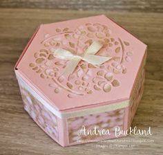 Window box Thinlits dies Stampin' Up 2017 Hexagon Box, Cute Gift Boxes, Step Cards, Paper Crafts, Diy Crafts, Fancy Fold Cards, Get Well Cards, Flower Cards, Box Design