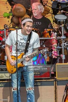 John Mayer in Dead in Company performance John Mayer, Grateful Dead Music, Dead And Company, Dead To Me, Strong Love, Love Affair, Playing Guitar, The Outsiders, Songs