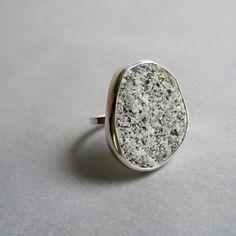 big subtle jewelery - a contradiction!