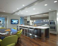 Cocina hecha 100% Maple color Capucciono, con cubierta de Superficie ...