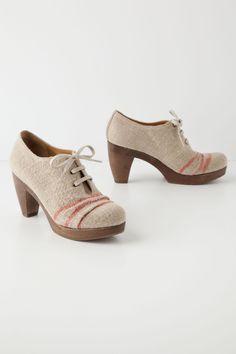 Ruletop Linen Oxfords - too freakin cute! Anthropologie.com