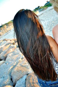 Lovely! Shiny! Can't wait til my hair gets this long!