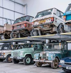 Garage Workshop Plans, Car Workshop, Defender 110, Land Rover Defender, Classic Trucks, Classic Cars, Range Rover Off Road, 4x4, Jeep Sport