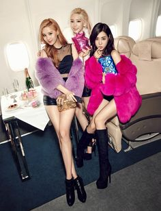 Girls' Generation-TaeTiSeo for Louis Quatorze Fall/Winter 2015 Ad Campaign Kpop Girl Groups, Korean Girl Groups, Kpop Girls, 1 Girl, Girl Day, Louis Quatorze, Asian Woman, Asian Girl, Girls' Generation Tts