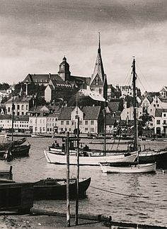 Deutsche Fotothek.    John, Paul W.: Schleswig-Holstein. Stadt Flensburg über die Förde gesehen, 1925/1939