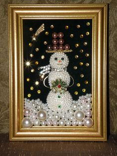 Vintage jewelry snowman in frame Find this Pin and more on Reborn Jewelry. Jewelry Art Snowman Snowing at Night Christmas decoration with pearls - Dale Details To go with the jeweled Christmas tree I have. Design Engagement Ri - February 08 2019 at Maybe Christmas Jewelry, Christmas Art, Christmas Projects, Vintage Christmas, Christmas Decorations, Christmas Ornaments, Snowman Decorations, Christmas Costumes, Christmas Ideas