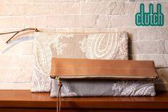 CLUTCH FRANI cuero beige y tela estampada Medidas: 34 x 22.5 cm