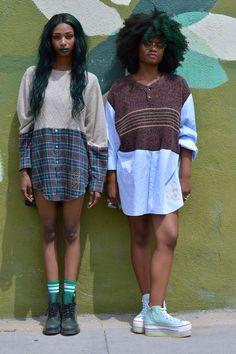 Cabelo afro, tranças, black power e crespos coloridos