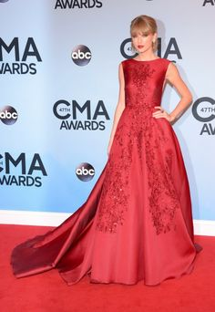 Taylor Swift in Elie Saab. Style. Fashion. Red Dress. Long Dress.